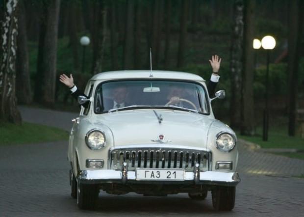 Putin'in arabalarının ortak sırrı ne? - Page 1