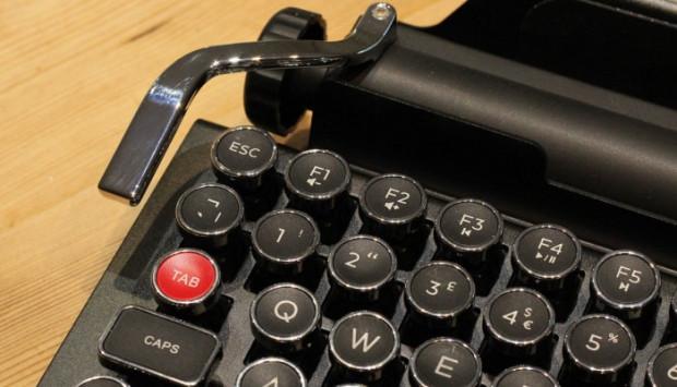 Qwerkywriter mekanik iPad klavyesiyle tanışın - Page 1
