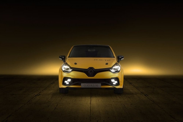 Renault Clio RS 16 konsept - Page 2