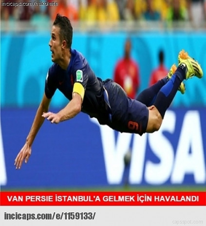 Robin Van Persie'nin Fenerbahçe'ye transferiyle ilgili yapılmış 18 caps - Page 3