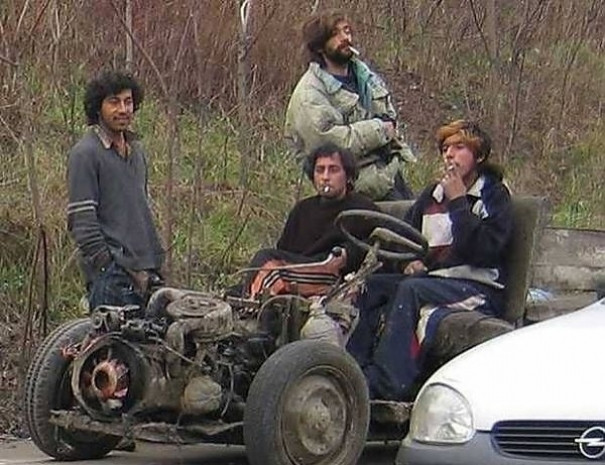 Romanya'da yaşayan insanların arabalarını çok sevdiğini kanıtlayan 16 fotoğraf - Page 4