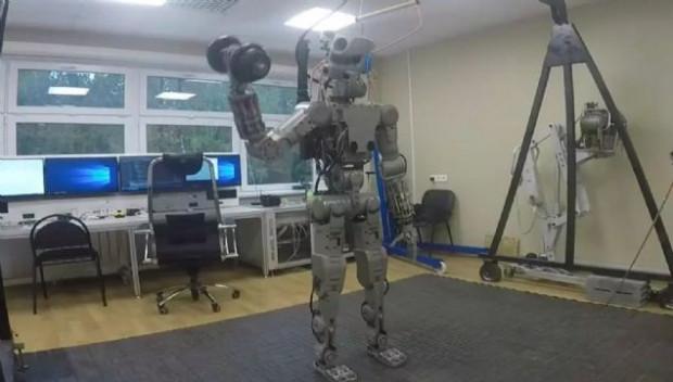 Rus robot FEDOR performansını sergiledi - Page 1