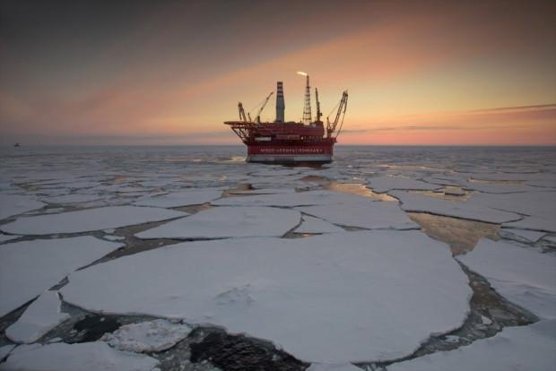 Rusya'nın kutuplardaki ilk petrol platformu görüntülendi - Page 1