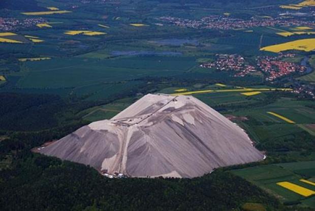 Saatte 900 ton büyüyen tuz dağı - Page 1