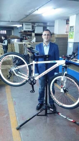 Salcano,Recep Tayyip Erdoğan'a bisiklet yaptı! - Page 2