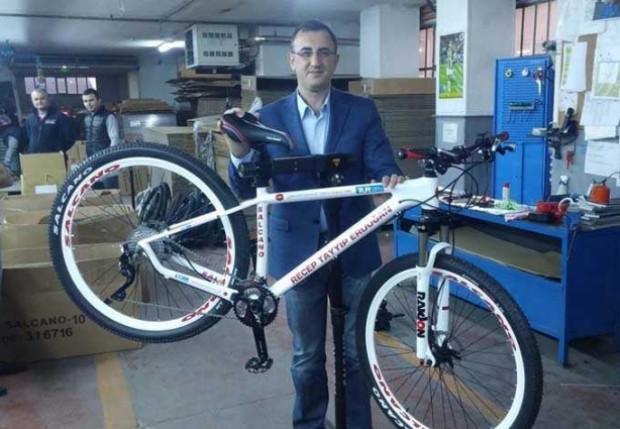 Salcano,Recep Tayyip Erdoğan'a bisiklet yaptı! - Page 3