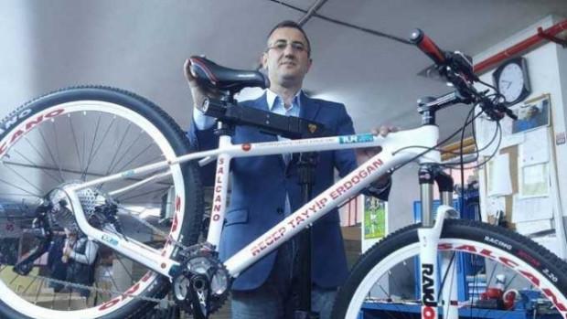Salcano,Recep Tayyip Erdoğan'a bisiklet yaptı! - Page 4