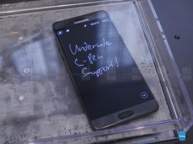 Samsung Galaxy Note 7'nin tüm resmi görüntüleri - Page 1