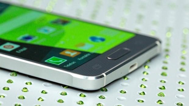 Samsung, iPhone'a rakip Galaxy C7'yi duyurdu - Page 4