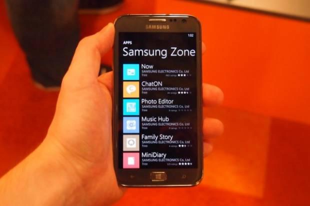 Samsung ve Verizon yeni bir Windows Phone 8 cihaz için biraraya geldi. - Page 1