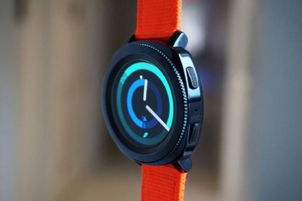 Samsung'un akıllı saati Gear Sport Türkiye'de - Page 1