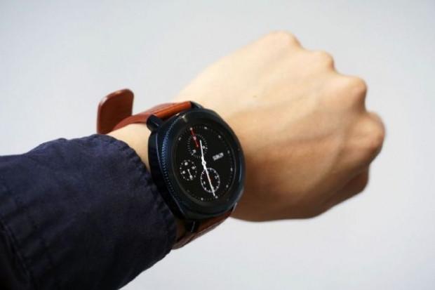 Samsung'un akıllı saati Gear Sport Türkiye'de - Page 2