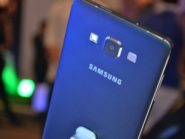 Samsung'un en ince akıllı telefonu: Galaxy A7 - Page 1