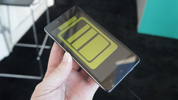 Şarjı 4 gün giden akıllı telefon 'Blu Studio Energy' - Page 3