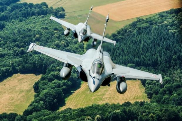 Savaş uçakları Fransa semalarında - Page 3
