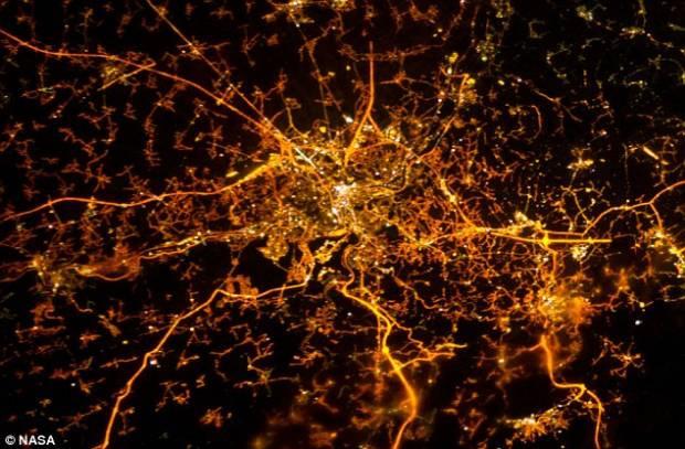 Şehirler 240 kilometre yukarıdan görüntülendi - Page 3