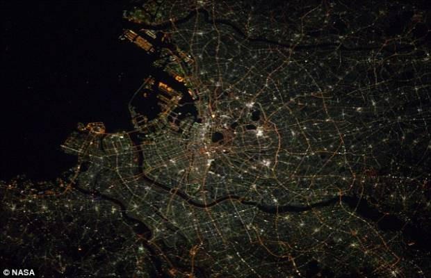 Şehirler 240 kilometre yukarıdan görüntülendi - Page 4