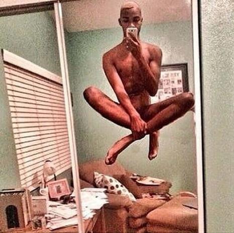 Selfie çekme olayını bir basamak üste taşımış 21 tuhaf fotoğraf meraklısı - Page 4
