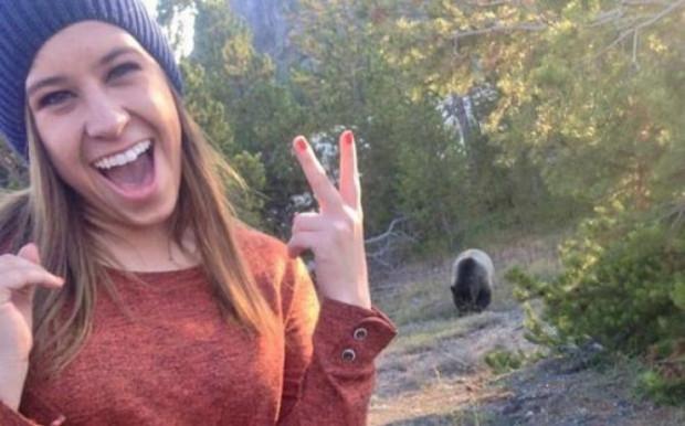 Selfie Çekmek Uğruna Ölümü Göze Alan Tuhaf İnsanlar - Page 2