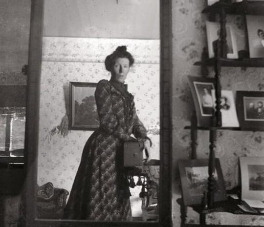 Selfie tarihinin ilk deneyimleri - Page 1