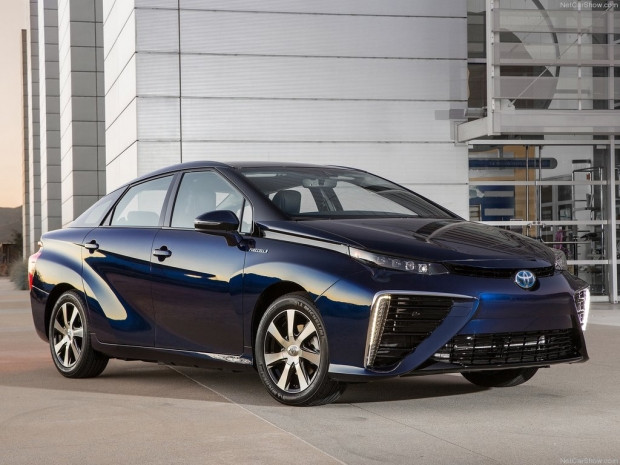 Sıfır emisyonlu yakıt hücreli aracı Toyota Mirai - Page 3