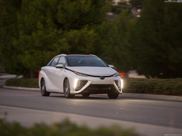 Sıfır emisyonlu yakıt hücreli aracı Toyota Mirai - Page 4