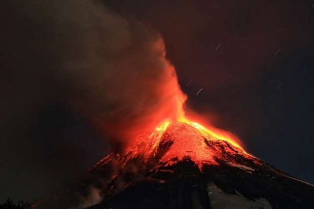Şili'deki Villarrica volkanı lav püskürtmeye başladı - Page 2