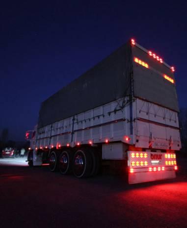 Sıra dışı kamyonlar göz kamaştırıyor - Page 1