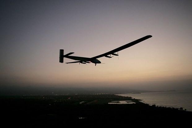 'Solar Impulse 2' dünya turuna hazırlanıyor - Page 1