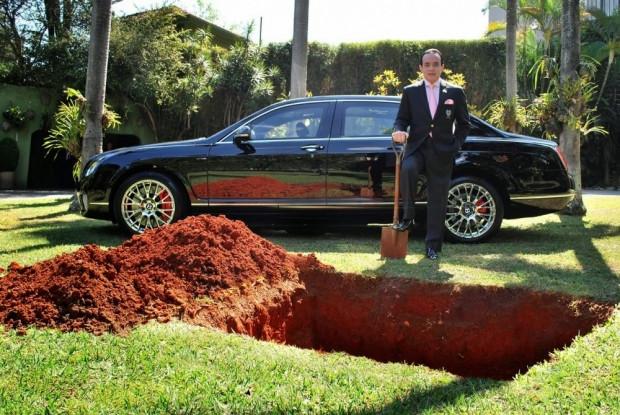 Son model arabasını gömdü sebebi inanılmaz! - Page 2