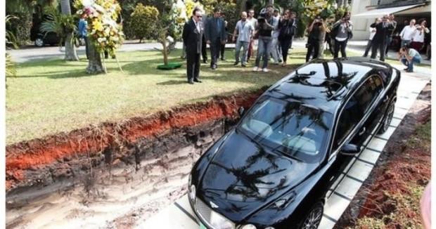 Son model arabasını gömdü sebebi inanılmaz! - Page 3
