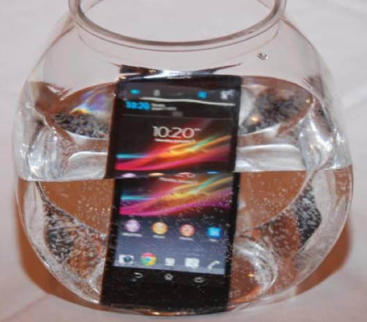Sony Xperia Z en dayanıklı ve akıllı telefon oldu! - Page 1