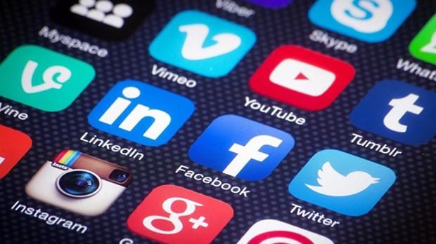 Sosyal medya ile nasıl zengin oluyorlar? - Page 1