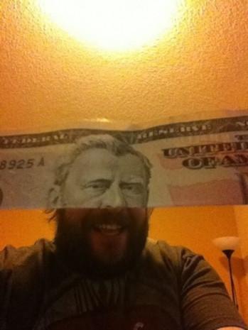 Sosyal medyada son günlerin çılgınlığı dolar ile poz - Page 1