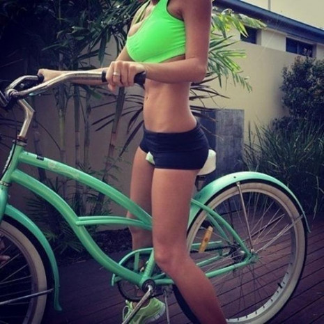 Sosyal medyada yeni trend 'bisikletli poz' - Page 1