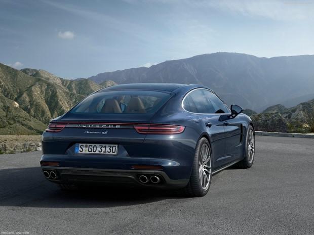 Spor otomobilin performansı ve sedanın konforu Porsche Panamera - Page 2