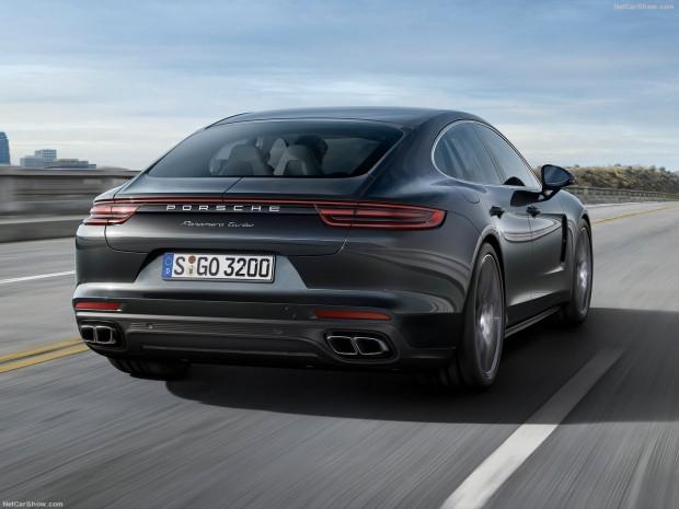 Spor otomobilin performansı ve sedanın konforu Porsche Panamera - Page 3