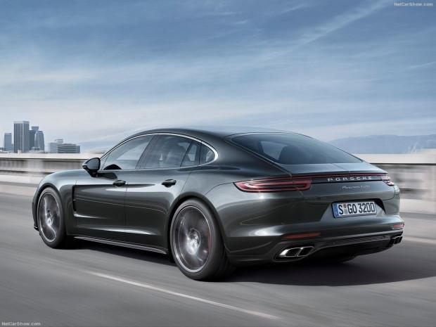 Spor otomobilin performansı ve sedanın konforu Porsche Panamera - Page 4