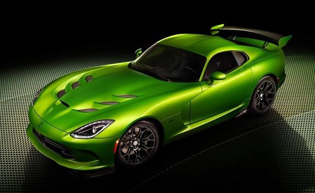 SRT Viper'in 2014 modeli Stryker Green - Page 1