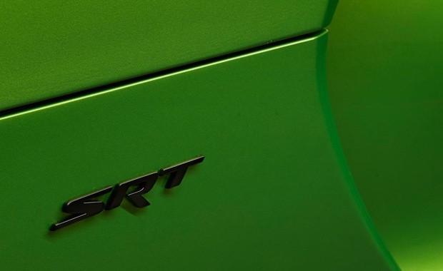 SRT Viper'in 2014 modeli Stryker Green - Page 4