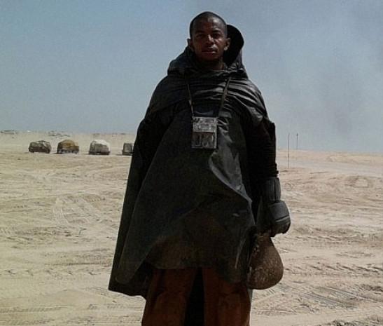 Star Wars 7 filminin setinden ilk fotoğraflar geldi - Page 4