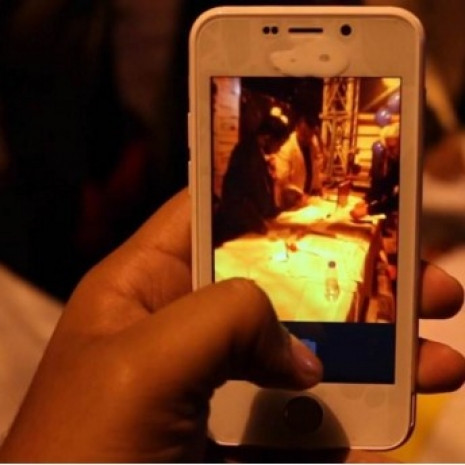 Sudan ucuz akıllı telefon duyan inanamadı! - Page 4