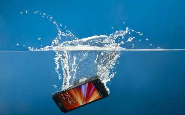 Suya düşen telefon nasıl kurtarılır? - Page 1