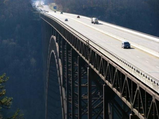 Tasarım ve teknoloji harikası olan dünyanın en ilginç köprüleri - Page 1