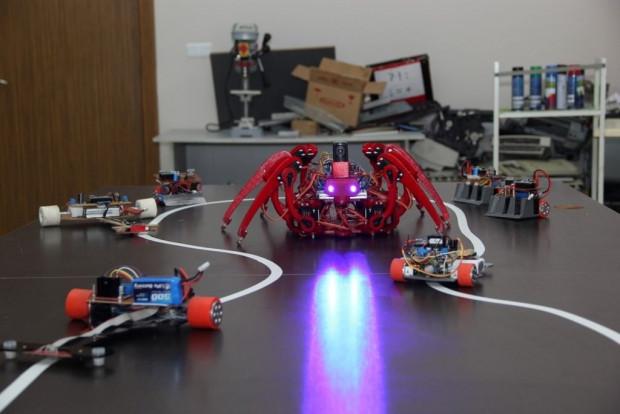 Tehlike anları Örümcek Robot'a emanet - Page 1
