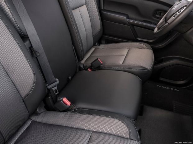 Tek kabinli Nissan Titan 2017 - Page 3