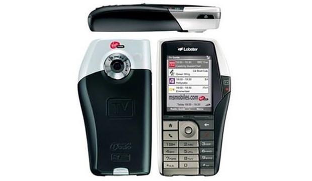 Teknolojiye yenilen ilginç telefonlar - Page 4