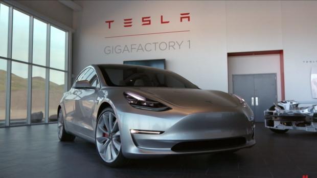 Tesla'nın Model 3'ün dünyayı değiştirecek özellikleri - Page 4