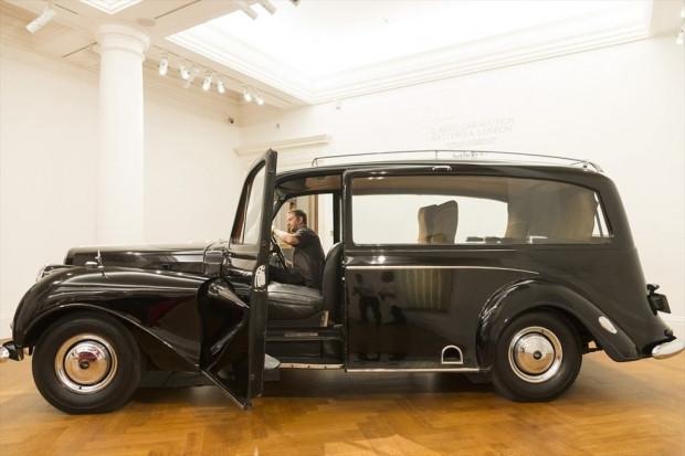 The Beatles'ın aracı RM Sotheby's satılıyor! - Page 4