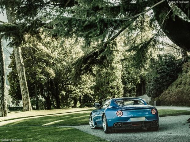 Touring Ferrari F12 Berlinetta Lusso - Page 1